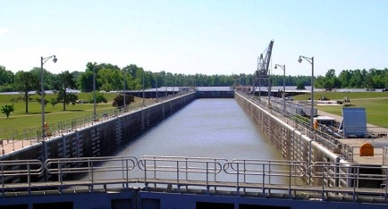 The Old River Lock inflow channel facing the Mississippi River